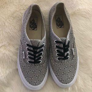 8e26909a62 Geometric Slim Sz Poshmark 9 Vans Shoes Authentic AqxPP4